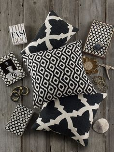 Discover hundreds of accent pillows at prices up to 70% off! The best and easiest way to change up the look and feel of your space. Loving the classic black & white and the patterns are gorgeous!