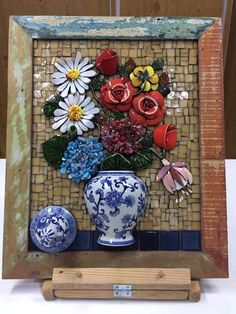 Mosaic Tile Art, Mosaic Pictures, Mosaic Flowers, Stained Glass Crafts, Mosaic Garden, Mosaic Projects, Button Art, 3 D, Floral Wreath