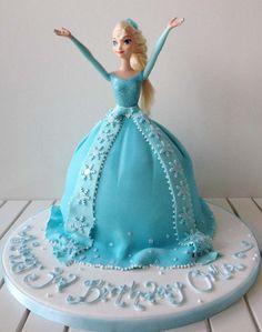 Frozen Barbie Cake, Frozen Dolls, Frozen Cake, Barbie Birthday Cake, Frozen Themed Birthday Party, Birthday Cake Girls, Birthday Cakes, 3rd Birthday, Frozen Party