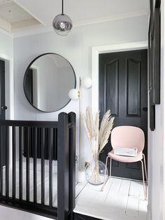 Hallway – Home Decor Designs Hallway Inspiration, Interior Design Inspiration, Home Interior Design, Interior Design Hallways, Bar Interior, Interior Office, Interior Livingroom, Apartment Interior, Interior Lighting