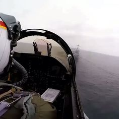 Best bday present for US Navy?...catching the #3 wire!  Happy bday Navy!  Great vid from @usnavy_tailhook ⚓️🛳 #avgeekery #instaaviation #crew #crewlife #pilot #pilotlife #picoftheday #instafab #instahub #instadaily #instaplane #igdaily #planes #jet #carrier #carrierlanding #usnavy #navybday #imanavalaviator #maverick #goose