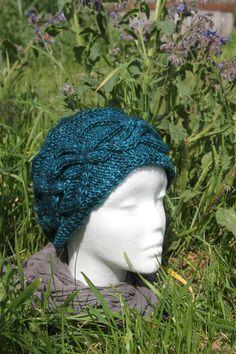 Bonnet Emeraude à torsades tricoté main de la boutique CedrikOttemin sur Etsy