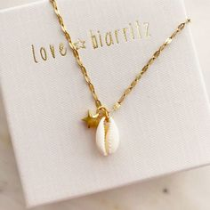 Unique Jewels ✨ Handcrafted in Madrid - Sea shell necklace by Love Biarritz - Seashell Jewelry, Seashell Necklace, Shell Necklaces, Pearl Jewelry, Beaded Jewelry, Jewelery, Handmade Jewelry, Stylish Jewelry, Cute Jewelry