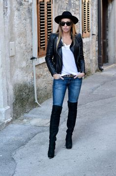 Style of the day - Blue jeans baby Blue Jeans, Knee Boots, Pants, Baby, Style, Fashion, Trouser Pants, Moda, La Mode
