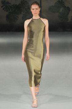 Barbara Casasola Spring 2015 Ready-to-Wear Fashion Show Gold Fashion, Womens Fashion, Female Fashion, Barbara Casasola, Bronze, Glamour, Fashion Show, Fashion Design, Fashion 2014