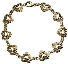 Kalevala Jewelry – Adorable little hearts and the warm glow of gold around your wrist. This bracelet is available in two lengths. The bracelet may also be shortened by detaching heart pieces. Also available in bronze and silver. Steel Metal, Iron Steel, Carat Gold, Bracelet Designs, Jewerly, Fashion Jewelry, Bronze, Chain, Heart