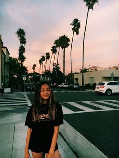 vsco-teenager The Effective Pictures We Offer You About vsco outfits vacation A quality picture can Poses Photo, Picture Poses, Picture Ideas, Selfies Poses, Photographie Portrait Inspiration, Instagram Pose, Insta Instagram, Insta Pictures, Insta Photo Ideas