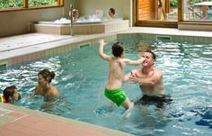 Sandybrook Country Park is situated close to the picturesque market town of Ashbourne. The park provides luxury self-catering holiday accommodation for a relaxing break, an exciting activity holiday or a romantic weekend away and is an ideal location for exploring the southern Peak District or visiting Alton Towers. www.sandybrook.co.uk www.ashbourne-accommodation.co.uk