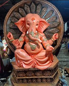 Shri Ganesh Images, Ganesh Chaturthi Images, Sri Ganesh, Happy Ganesh Chaturthi, Ganesha Pictures, Clay Ganesha, Ganesha Art, Devon Ke Dev Mahadev, Ganesh Idol