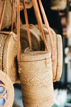 Bali travel guide Indonesia Eat Locavore Old Mans Drink Akademi bar Katamama Hotel Shop Kimsoo Explore Rice paddies Travel Explore Wander Wanderlust Bali Shopping, Shopping Travel, Bali Travel Guide, Mode Simple, Basket Bag, Ubud, Straw Bag, Crossbody Bag, Reusable Tote Bags