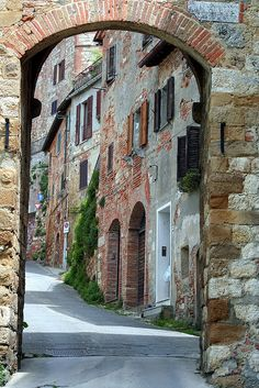Montepulciano, Italy sometimes I think we all need to lose ourselves and go out, take a minute and breathe, get away. Places Around The World, Oh The Places You'll Go, Places To Travel, Places To Visit, Around The Worlds, Siena, Emilia Romagna, Living In Italy, Places In Italy