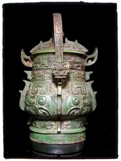 "青铜卣[西周]。A rare archaic Chinese bronze covered ""You"" vessels.[Western Zhou] Private Collection by Zack Atelier Ancient China, Ancient Art, Chinese Culture, Chinese Art, Stone Age Art, Asian Architecture, Historical Art, Chinese Ceramics, Classical Art"
