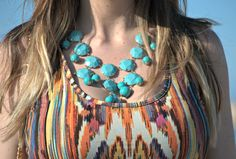 #necklace #blue http://www.lidiabedman.com/2013/08/long-dress-vestido-largo.html