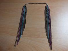 Collar-con-cadenas-de-colores-4