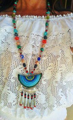 Collar Folk Fish ( múltiples cuentas en piedras naturales de diferentes colores y pez plateado) Hippie bohemia, folk, boho