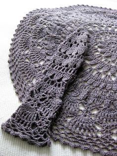 VMSomⒶ Koppa Crochet Coat, Crochet Fall, Crochet Mittens, Crochet Cardigan, Crochet Clothes, Crochet Stitches, Crochet Circle Vest, Crochet Circles, Gilet Kimono