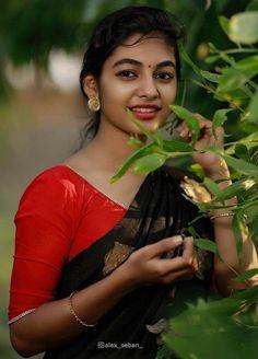 Beautiful Girl In India, Beautiful Blonde Girl, Beautiful Girl Photo, Most Beautiful Indian Actress, Beautiful Asian Girls, Cute Beauty, Beauty Full Girl, Beauty Girls, Girl Pictures
