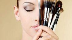 Mulheres são vaidosas por natureza. Saber fazer uma boa maquiagem é o sonho de todas elas.   Aqui vão algumas dicas de como se maquiar no dia a dia.