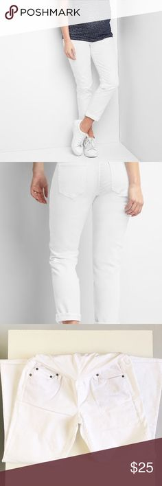 GAP maternity jeans. Full panel girlfriend maternity jeans.                                    Never worn, brand new. GAP Jeans
