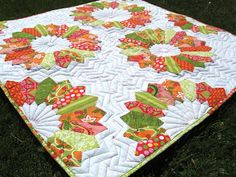 Happy Quilting: Double Dresden Delight - EZ Dresden Challenge, fun take on an old design and the citrus colors are yummy.