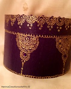 Bridesmaid Keepsake/Jewelry Box in classic by HennaCreationsofeNVy…