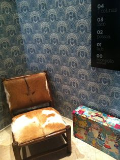 Wallpaper and cowhide combo Hotel Lobby, Lisbon, Living Rooms, Portugal, Hotels, Spaces, Boutique, Cool Stuff, Wallpaper