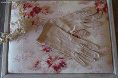 Ancienne paire de gants en cuir rose brocante de charme atelier cosy.fr