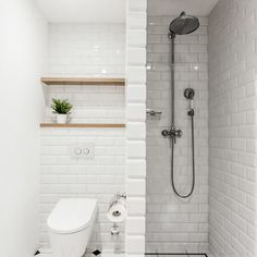 Renovace bytu v Šumavské byla výzvou, kdy hlavním požadavkem klienta bylo zachování Tiny House Bathroom, Tiny Bathrooms, Bathroom Layout, Bathroom Inspiration, Laundry Room Bathroom, Bathroom Decor, Bathroom Design Small, Home Decor, Toilet Design