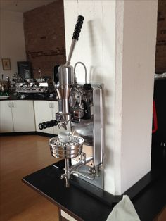 N/A Coffee Making Machine, Coffe Machine, Espresso Coffee Machine, Cappuccino Machine, Coffee Maker, Coffee Type, Great Coffee, Coffee Art, Coffee Shop