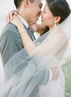 Photography: Jemma Keech - jemmakeech.com  Read More: http://www.stylemepretty.com/2014/09/11/romantic-cliff-top-wedding-by-the-sea-in-bali/