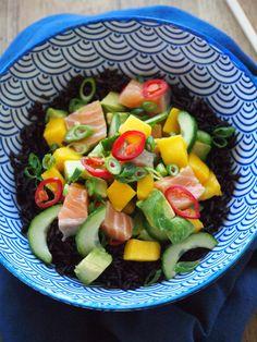 Zwarte rijst poke bowl close up
