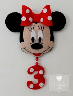 The World's Best Photos of feltro and minnie Mickey E Minnie Mouse, Mickey Mouse Birthday, Felt Crafts Kids, Finger Puppet Patterns, Fuzzy Felt, Kids Birthday Themes, Felt Wreath, Felt Decorations, Mickey And Friends