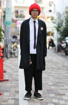 I love this Comme des Garçons look.