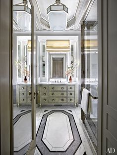From foyers to kitchens to baths, marble flooring makes an elegant design statement in any space. Tour 14 rooms from the AD archives featuring the sleek and luxurious material. | archdigest.com