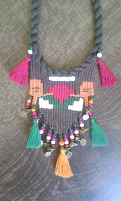 weaving (yasemin beğitoğlu) 2014-2015 Pin Weaving, Weaving Art, Loom Weaving, Fiber Art Jewelry, Jewelry Art, Girls Jewelry, Weaving Techniques, Diy And Crafts, Crochet Necklace
