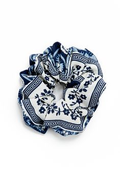 Creative and Cool Shoedazzle Fashion Accessories Scrunchie Squad Hair Tie Ladies Blue Size . Scrunchies, Lady, Accesorios Casual, Teen Fashion, Fashion Hair, Shoe Dazzle, Hair Ties, Diy Hairstyles, Girly Things