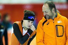 Ireen Wüst heeft het in Sotsji met haar schaatscoach Gerard Kemkers goed naar de zin.