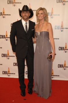 Tim McGraw and Faith Hill at the 2009 CMA Awards.