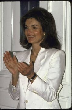 Jackie O what a woman,courageous ,smart beauty,style,genuine  with good motherly instincts