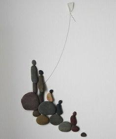 Arte com pedras: Sharon Nowlan: seixos capturam situações da vida