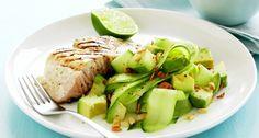 Gegrilde kabeljauw met komkommer-avocadosalade