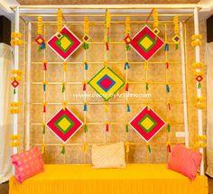 Simple yet elegant decor for a mehendi function. Mehendi Decor by Udaya of branch PC 📷: is a unit of 𝒎𝒆𝒔𝒔𝒂𝒈𝒆 𝒊𝒔 𝒄𝒍𝒆𝒂𝒓! 𝑳𝒆𝒕 𝒏𝒐𝒕 𝒚𝒐𝒖𝒓 𝒄𝒆𝒍𝒆𝒃𝒓𝒂𝒕𝒊𝒐𝒏𝒔 𝒂𝒅𝒅 𝒕𝒐 𝒘𝒐𝒓𝒍𝒅 𝒑𝒍𝒂𝒔? Housewarming Decorations, Diy Diwali Decorations, Wedding Stage Decorations, Backdrop Decorations, Background Decoration, Wedding Backdrop Design, Desi Wedding Decor, Wedding Mandap, Wedding Receptions