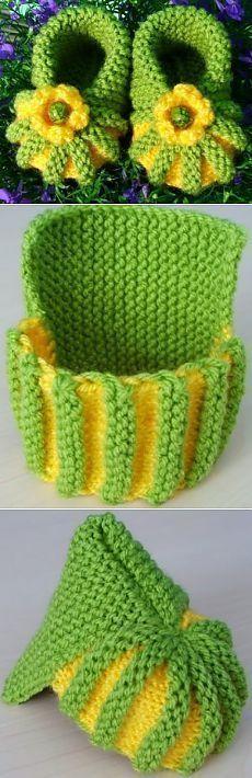 knitting ideas: very very simple ankle boots! / Knit a knitting needle . : knitting ideas: very very simple ankle boots! / Knit a knitting needle … Crochet Baby Mittens, Crochet Diy, Crochet Baby Shoes, Crochet Slippers, Crochet For Kids, Simple Crochet, Knitted Baby, Tunisian Crochet, Crochet Mandala