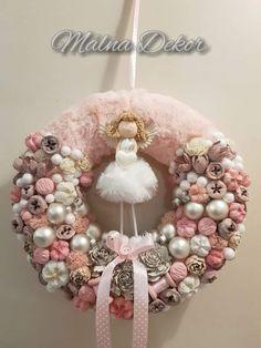 Silver Christmas Decorations, Diy Christmas Ornaments, Xmas Crafts, Crafts To Do, Christmas Wreaths, Diy Crafts, Christmas Is Coming, Pink Christmas, Winter Christmas