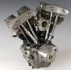 ハーレーダビッドソン・ショベルヘッドのエンジン画像