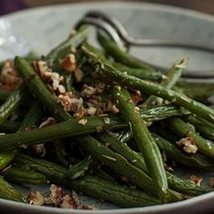 Rosemary Roasted Green Beans with Pecans | Frontier Co-op