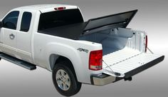 Tonnopro Tri-Fold vinal tonneau cover.  Great cover! Great value! Easy to instal.