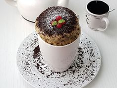 Rulada de Biscuiti cu Mascaporne - Bucataresele Vesele Mousse, Romanian Desserts, Cake Recipes, Dessert Recipes, No Cook Desserts, Food Cakes, Tiramisu, Carne, Cheesecake