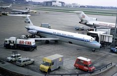 47191 Douglas DC-9-33RC PH-DNM KLM Heathrow Airport by emdjt42, via Flickr Aviation Fuel, Aviation Industry, Airport Architecture, Royal Dutch, Douglas Aircraft, Boeing 727, Air Charter, Good Old Times, Heathrow Airport