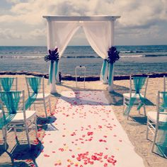 Roatan wedding at frenchys by roatan events